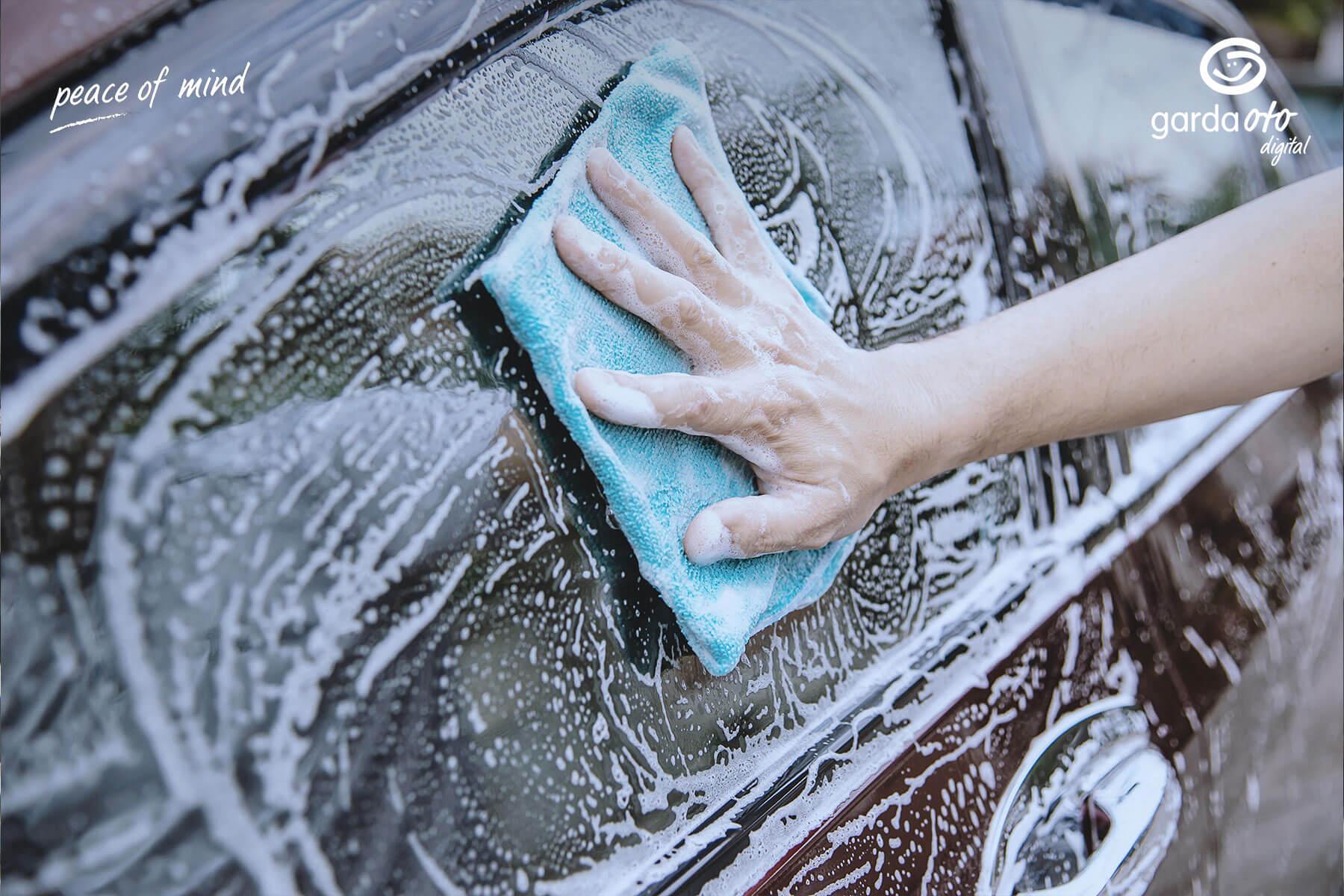 Apakah-Cara-Mencuci-Mobil-Anda-Selama-Ini-Sudah-Benar-2